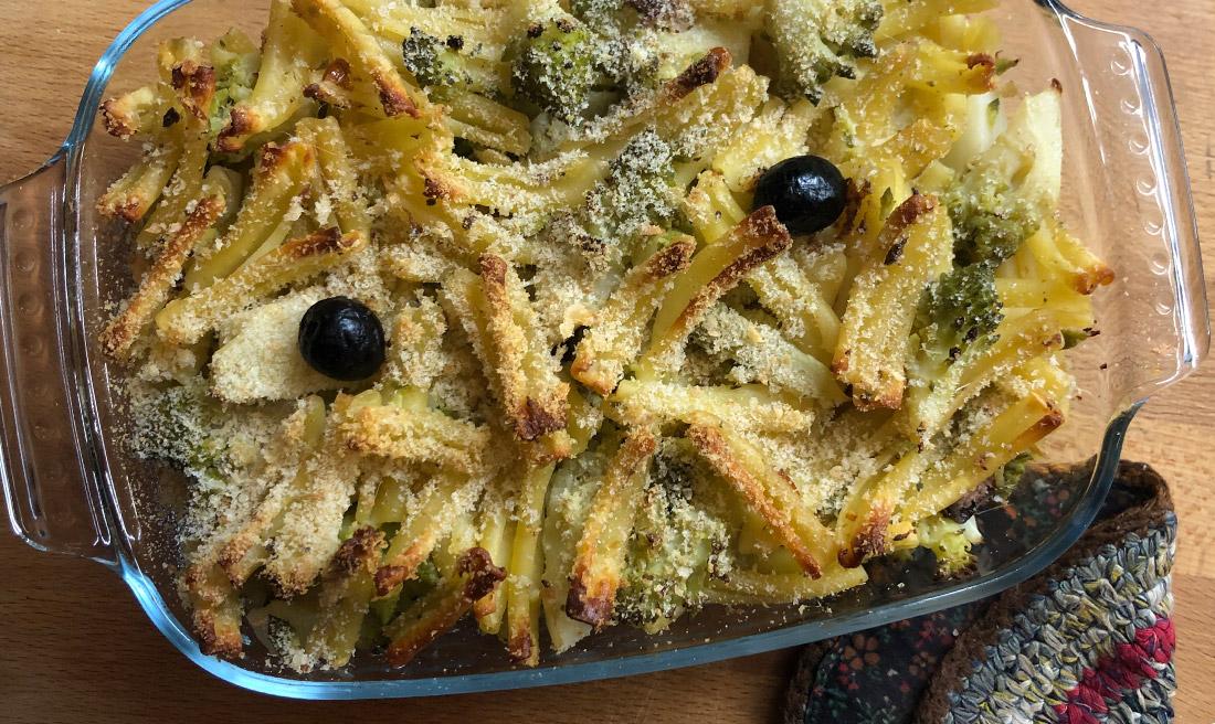 Pasta gratinata con broccolo romanesco e acciughe